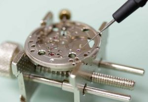 Esslinger's how to oil a watch